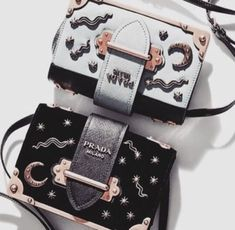 Shop Prada bags for women at Farfetch for classic styles including the nylon backpacks, Galleria tote and Cahier cross-body bags. Sacs Design, Fashion Bags, Womens Fashion, Fashion Mode, 90s Fashion, Fasion, Cute Bags, Luxury Bags, Luxury Handbags