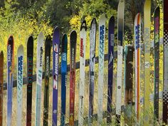 Fence (Hockey sticks instead) Reduce Reuse Recycle, Repurpose, Fence Ideas, Yard Ideas, Fancy Fence, Ski Club, Picket Fences, Hockey Sticks, Dream Barn