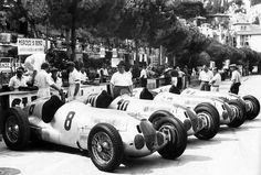 1937 Monaco GP, Monte Carlo : Daimler Benz AG Entry. Mercedes-Benz W125. - Rudolph Caracciola #8 (2nd) - Manfred von Brauschitch #10 (Winner) - Christian Kautz #12 (3rd) - Goffredo Zehender #14 (5th)  (ph: forum-auto.com)