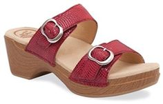 This adjustable twin strap sandal features a pillow-soft footbed and an easy-to-wear design for the perfect style, comfort balance.