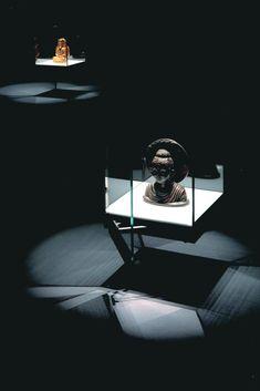 LIGHT GALLERY / INTERACTION GALLERY | UA design file 01/ OSHIO,Shoji(押尾章治設計作品) Museum Exhibition Design, Exhibition Display, Design Museum, Lighting Concepts, Lighting Design, Neon Light Art, Museum Lighting, Dining Light Fixtures, Gallery Lighting