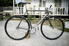 Mac-Talla Cycles — This is a beauty. freaking tight...