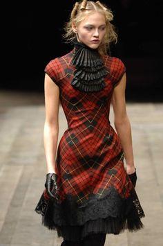 Alexander McQueen red tartan with black ruffles and lace outfit. Plaid Outfits, Plaid Dress, Dress Up, Runway Fashion, High Fashion, Womens Fashion, Paris Fashion, Tokyo Fashion, Fall Fashion