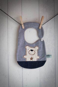 Bio Lätzchen mit niedlichem Bär / baby bip, organic fabrics by Banda-di-Monelli…