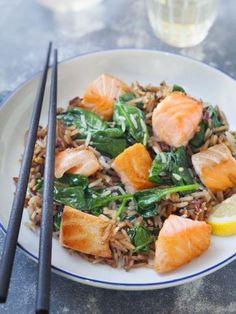 Wok de saumon aux épinards frais