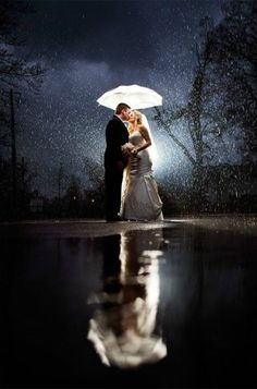 Nothing like a little rain on your wedding day for magical wedding photos | Unplugged Photography