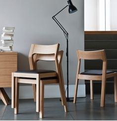 """""""Small Space Solution: 5 Stylish Stacking Chairs"""" Didnt realise how hard it is to design a stackable chair until my current project! It's so hard. Living Room Chairs, Dining Chairs, Dining Table, Oak Chairs, Dining Room, Chair Design, Furniture Design, Wooden Folding Chairs, Small Space Solutions"""