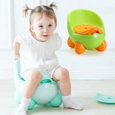 Baby Toilet Your child can get on and off this potty seat all by themselves. It's the perfect height and is available in several colors. Baby Potty Seat, Kids Potty, Toilet Training, Potty Training, Baby Toilet, Cute Cartoon, Your Child, Cute Babies, Diapering