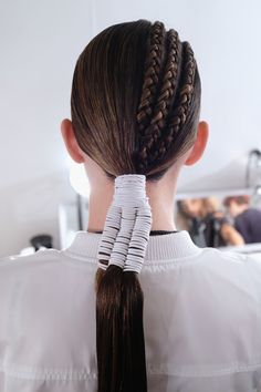 31 Hairstyles You'll Want to Try (or at Least Stare at) This Spring Spring Hairstyles, Long Bob Hairstyles, Braided Hairstyles, Short Curly Hair, Curly Hair Styles, Hair Inspo, Hair Inspiration, Gypsy Hair, Hair Shows