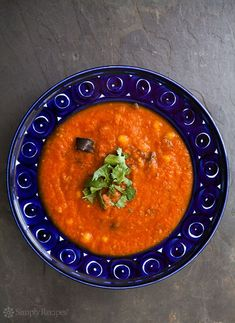 Best Tomato Recipes Roasted eggplant and tomato soup! made with oven roasted tomatoes, carrots, garlic, chickpeas, and eggplant. Tomato Soup Recipes, Chicken Soup Recipes, Tomato Recipe, Chicken Soups, Salat Sandwich, Oven Roasted Tomatoes, Roasted Carrots, Chilled Soup, Roast Eggplant