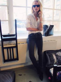 classic: white button down and jeans