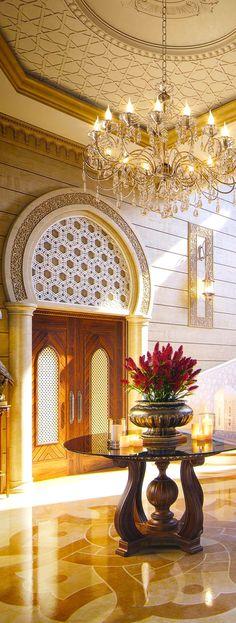 Entryway Decor. Stylish Mid-Century Interior Design.