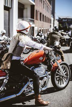 harley motorcycle and girl! Lady Biker, Biker Girl, Chicks On Bikes, Motos Harley Davidson, Hot Bikes, Biker Chick, Vintage Motorcycles, Cars Motorcycles, My Ride
