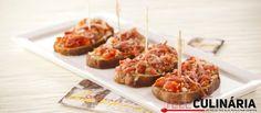 Bruschetas de tomate e presunto