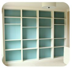 No built-ins? Use a stand-alone bookcase or install some budget-friendly DIY built-ins! #bookcase #homeorganization