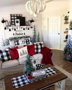 50 Amazing Winter Home Decor Ideas – christmas decorations Plaid Christmas, Christmas Home, White Christmas, Christmas Cactus, How To Decorate For Christmas, Christmas Vacation, Christmas Staircase, Merry Christmas, Christmas Fireplace