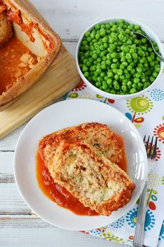 This easy ground chicken meatloaf recipe only has 6 ingredients but is filled with homestyle appeal. This easy meatloaf recipe is a quick spin on an old classic and is ready to be introduced to your weekly menu roundup. Ground Chicken Meatloaf, Chicken Parmesan Meatloaf, Easy Meatloaf, Meatloaf Recipes, Meat Loaf Recipe Easy, Recipe Box, Entree Recipes, Keto Recipes, Thing 1