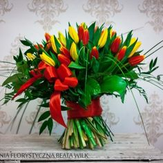 bukiet okolicznościowy tulipany czerwone żółte urodzinowy naturalny