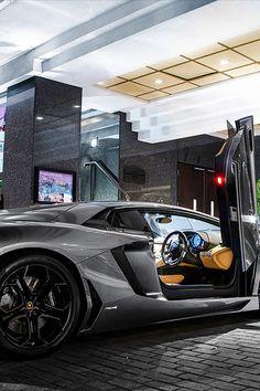 Hot Lamborghini Aventador