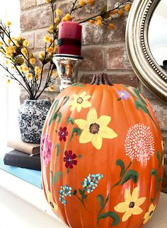 My Pioneer Woman Inspired Wildflower Pumpkin & How to Paint a Sunflower! Creative Crafts, Easy Crafts, Crafts For Kids, Arts And Crafts, Creative Ideas, Types Of Flowers, Wild Flowers, Pumpkin Decorating, Fall Decorating