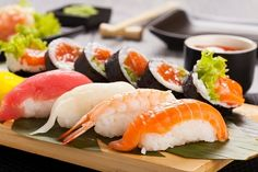 Sushi Sushi is the most famous Japanese dish outside of Japan, and one of the most popular dishes among the Japanese themselves. In Japan, sushi is usually Sushi Restaurants, Iodine Rich Foods, Diet Recipes, Healthy Recipes, Hypothyroidism Diet, Thyroid Diet, Diet Food List, Diet Foods, Fake Food