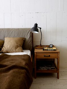 TRUCK |. 232 BOOKMAN BED