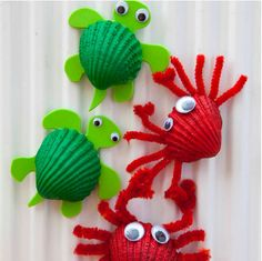 Cute Crabs Crafts, a great Beach Crafts for Kids. Perfect project for Spring Under The Sea Crafts for Kids shell crabsMake adorable crab art projects with little kids using seashells.Beach Crafts for Kids Materials: Shell, acrylic orange soda pop Crab Crafts, Vbs Crafts, Camping Crafts, Preschool Crafts, Diy And Crafts, Magnets Crafts, Kids Magnets, Beach Themed Crafts, Preschool Classroom
