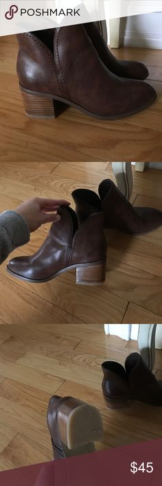Euc Steve Madden dark chestnut booties 6.5 Worn once. Excellent condition brown booties. Adorable fit. Style is johan size 6 . 5 Steve Madden Shoes Ankle Boots & Booties