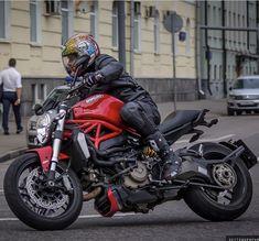 Ducati Motorcycles, Vintage Motorcycles, Cars And Motorcycles, Womens Motorcycle Helmets, Cafe Racer Motorcycle, Motorcycle Girls, Ducati Monster 821, Ninja Bike, Monster 1200