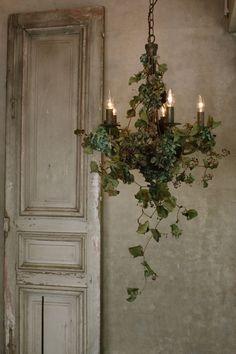 diy home decor Flower Installation, Chandeliers, Floral Arrangements, Farmhouse Decor, Diy Home Decor, Backdrops, Sweet Home, Bedroom Decor, Home And Garden