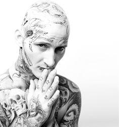 Tattoo  © Ländle Magazin 2015 Foto: Markus Gmeiner  tätowieren, tätowierung, tätowiert, facetattoo, Gesichtstattoo, Ländle, Vorarlberg, Bodensee, Austria, Fotografie, Fotographie, photographie, model, man, Shooting, male, Skull, Skulls, Totenkopf, pray, beten