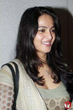 Hot Actress Anushka at Event gallery, Anushka Latest Photos image, Anushka Shetty pictures, Anushka Shetty photos, Anushka cleavage in Salwar Khameez dress