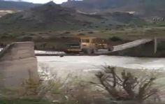 15 tonluk iş makinesi asma köprüden böyle geçti - http://turkyurdu.com/15-tonluk-makinesi-asma-kopruden-boyle-gecti/