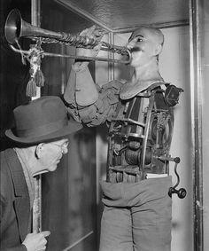 1810 - automaton trumpet player