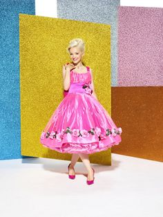 Dove Cameron as Amber Von Tussle – NBC's Hairspray Live! 2016 Rockabilly Style, Disney Channel, John Waters Movies, Hairspray Live, Dove Cameron Style, Disney Descendants, Dancing With The Stars, Mean Girls, Woman Crush