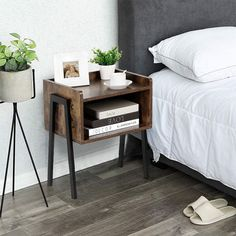 Iron Furniture, Accent Furniture, Sofa Side Table, End Tables, Living Room Decor, Bedroom Decor, Teak, Diy Pallet Wall, Elegant Sofa