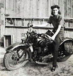 Indian, 1930's. Motos Vintage, Vintage Indian Motorcycles, American Motorcycles, Vintage Biker, Vintage Motorcycles, Vintage Ladies, Lady Biker, Biker Girl, Biker Chick