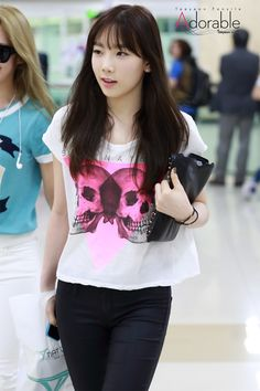 Taeyeon's airport fashion
