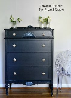 Today& before and after is a thrift store score that& now vintage glam in General Finishes Chalk Style Paint! Product list and links included. Navy Blue Furniture, Painted Furniture, Furniture Design, Refinished Furniture, Upcycled Furniture, Teal Dresser, Chalk Paint Dresser, Dresser Inspiration, Furniture Inspiration