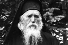 """Dacă am petrece în rugăciune și în gândire de Dumnezeu, nu ne-ar hrăni pe noi oamenii, ci îngerii și serafimii din cer"""""""