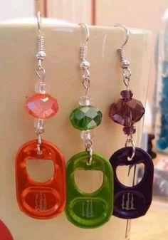 Bottle Cap Earrings, Bottle Cap Jewelry, Bottle Cap Art, Bottle Cap Crafts, Diy Earrings, Soda Tab Crafts, Can Tab Crafts, Aluminum Can Crafts, Handmade Wire Jewelry