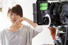 "【CMメイキング】""無言""でも演技力抜群の有村架純 ▼18Apr2014オリコン|【動画】有村架純、ペンキ塗りで失恋払拭 http://www.oricon.co.jp/news/video/2036508/full/ #Kasumi_Arimura #Arimura_Kasumi"
