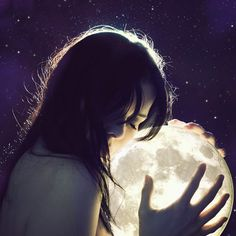 The most popular picture on the web, Girl holding a moon!