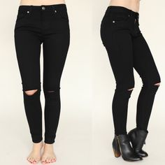 Goodmorning gorgeous 😘 We are totally in LOVE with our Black Slit Knee Skinny Jeans 😍😍 SO comfortable!You need em in your life! ✨