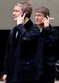 Martin Freeman as John Watson with his stunt double. Sherlock 3, Sherlock Holmes, Martin Freeman, Elementary My Dear Watson, Stunt Doubles, Benedict And Martin, 221b Baker Street, Wig Making, Man Standing