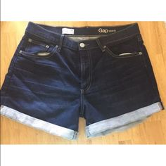 """Gap 1969 Sexy Boyfriend Shorts Brand new, unworn pair of sexy boyfriend shorts from Gap  Waist ~ 33"""" Rise ~ 10"""" Inseam ~ 3"""" cuffed They are 88% Cotton / 10% Polyester / 2% Spandex Comes from smoke and pet free home GAP Shorts Jean Shorts"""