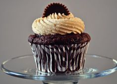 chocolate peanut butter cupcakes.........these are the best cupcakes ever!
