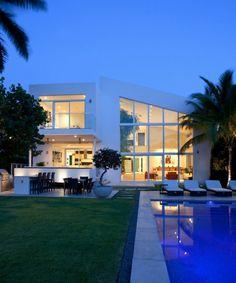 maison-contemporaine-facade-blanche