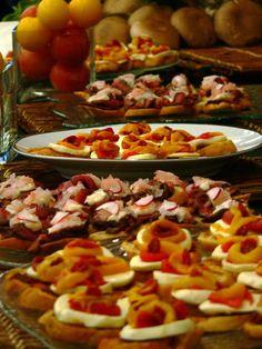 tapenade buffet Grazing Tables, Tapenade, Buffet, Chicken, Cooking, Recipes, Food, Salad, Kitchen