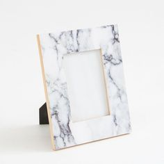 photos will look stunning in these chic and on-trend photo frames! Made from gorgeous imitation marble, these frames come in two sizes, perfect for layering. Marble Room Decor, Marble Bedroom, Gold Room Decor, Cute Room Decor, Gold Bedroom, Bedroom Decor, Bedroom Ideas, Design Bedroom, Rose Gold Marble